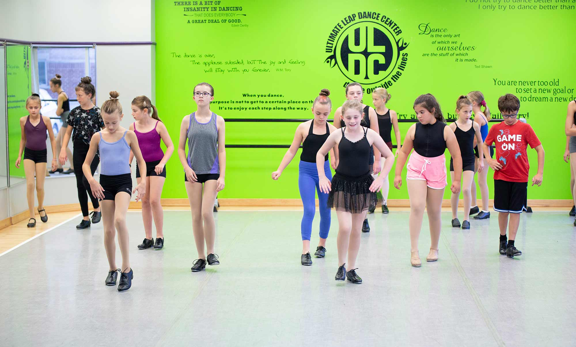 Dancers learning new dance routine in Ultimate Leap Studio
